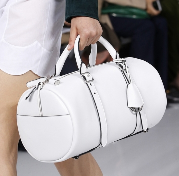 Dior-Spring-Summer-2016-Runway-Bag-Collection-Featuring-New-Duffle-Bag-Bag-7.jpg